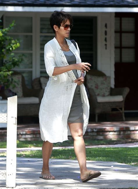 Halle Gets by Halle Berry Gets Lunch With Husband Pictures Zimbio
