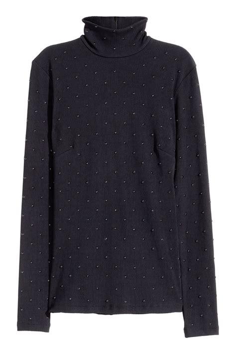 Kemeja Wanita Studs Back Detail Shirt Size M 411637 studded turtleneck top black sale h m us