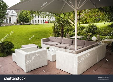 Backyard Cafe Green Park Luxury Modern Fashioned Patio Cafe Lounge With Umbrella