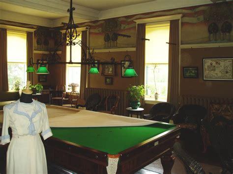 pool room file billiard room jpg wikimedia commons