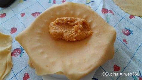 ravioli di zucca ricetta di ravioli alla zucca fatti in casa