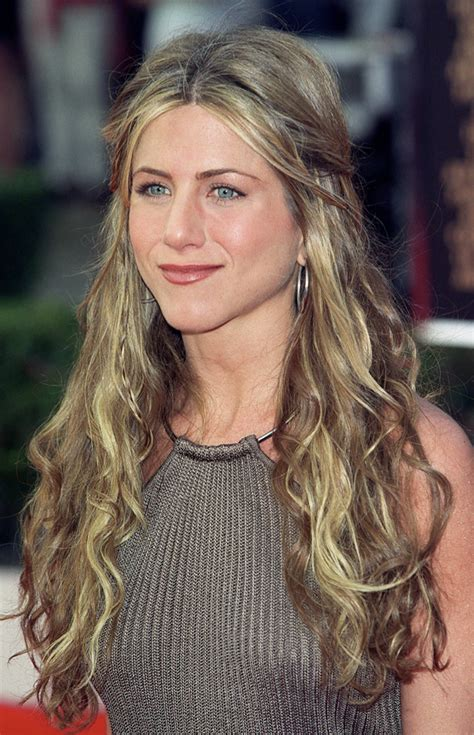 rachel greene wavy hair photos jennifer aniston a 48 ans d 233 couvrez son