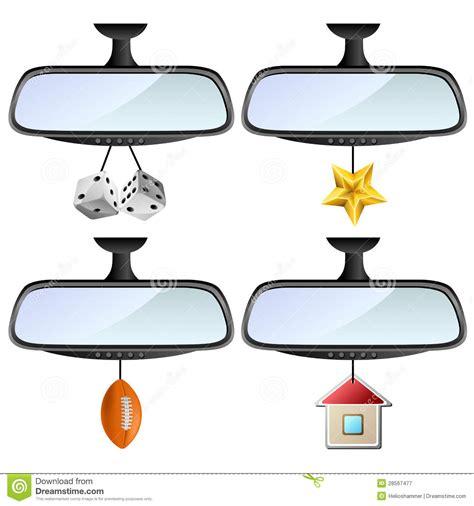 spiegel le de spiegel de auto met verschillende decoratie wordt