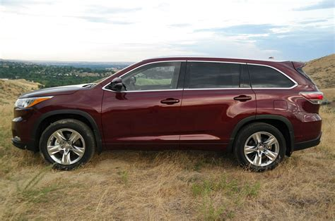 toyota awd 2014 toyota highlander limited awd drive photo image gallery