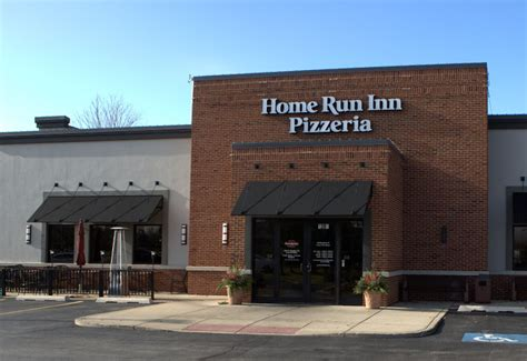 home run inn 28 images home run inn 11 photos pizza