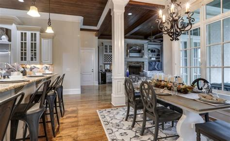 rooms to go brentwood tn 10 000 square foot home in brentwood tennessee homes of the rich