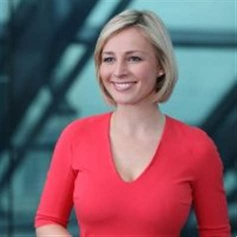 bloomberg news anchor women sexy caroline hyde linkedin