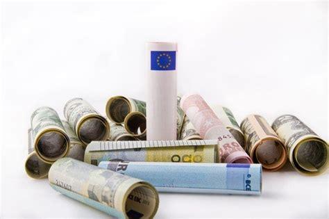 stipendi in banca stipendio con bonifico in banca o in posta