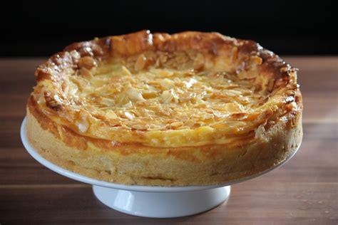 krokant kuchen vom blech kuchen torten nicki s leckereien