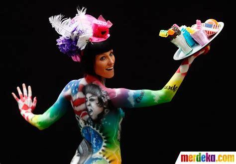 festival bodypainting dunia foto bergaya unik di pentas festival painting dunia