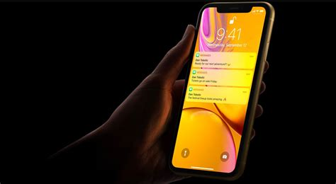 flipboard article cnet cnet apple uprooted repairing a cracked iphone xr screen will