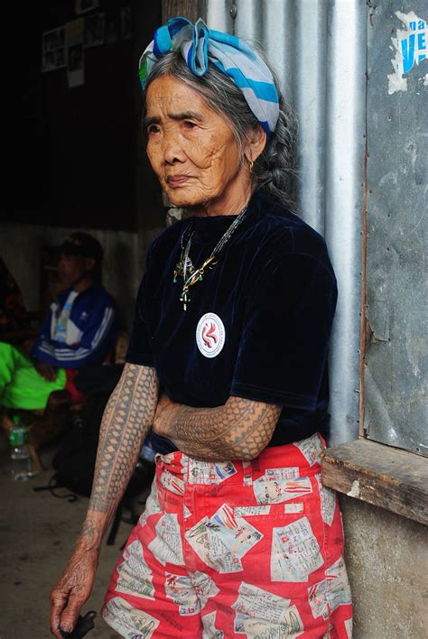 tattooed old lady 95 year artist from the philippines tatoo