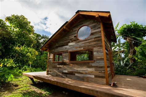 Small Homes Hawaii Nelson S New Tiny House In Hawaii The Shelter