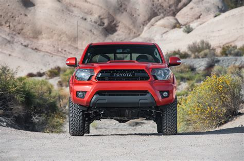 toyota tacoma vs comparison chevrolet colorado vs nissan frontier vs