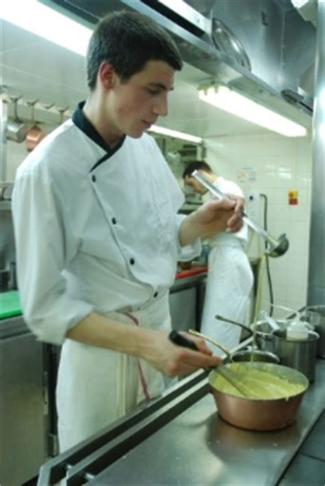commis de cuisine strasbourg commis de cuisine strasbourg 28 images d 233 couvrez