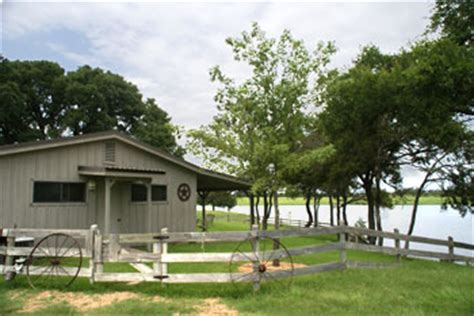 Lake Waco Cabins by Bed And Breakfast Waco Guest Ranch Lodging Waco Tx