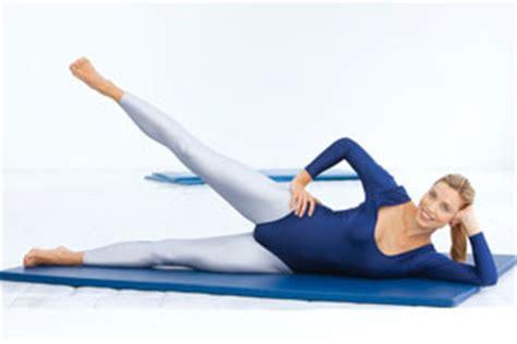 rechtes bein schmerzt beim liegen gesundheit kraft 220 bungen f 252 r mehr energie beine und po