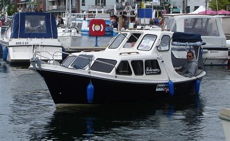 motorboat is to engine is as sailboat is to electric boat electric boat engine electric boat