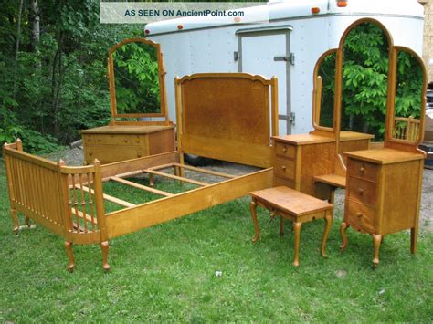 Antique Maple Bedroom Furniture Antique Maple Bedroom Furniture Photos And Wylielauderhouse