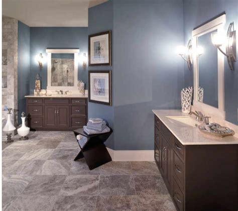 bathroom paint ideas blue blue bathroom i like the different color tile