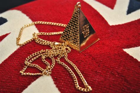 illuminati pyramid meaning top 10 illuminati symbols we see in mass media every day