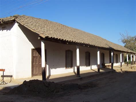 casa coloniale file casa colonial en nirivilo jpg wikimedia commons