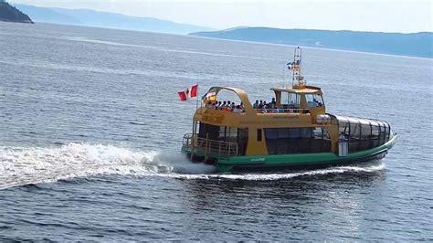 bateau mouche fjord la baie le fjord saguenay ii bateau mouche quitte la baie