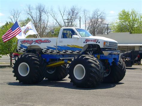 cool monster truck videos cool wallpapers celebrities wallpapers desktop wallpapers