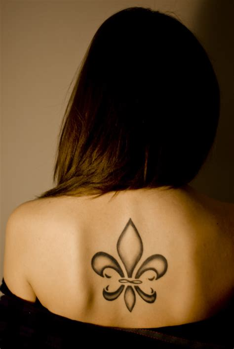 fleur de lis tattoos anchor tattoos designs fleur de lis tattoos designs