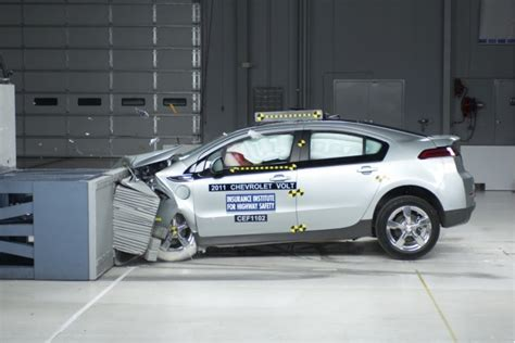 how make cars 2011 chevrolet volt auto manual how much more does it cost to repair a crashed chevy volt