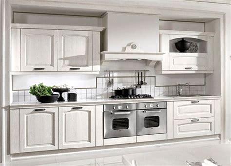 piastrelle rivestimento cucina classica casa immobiliare accessori piastrelle cucina