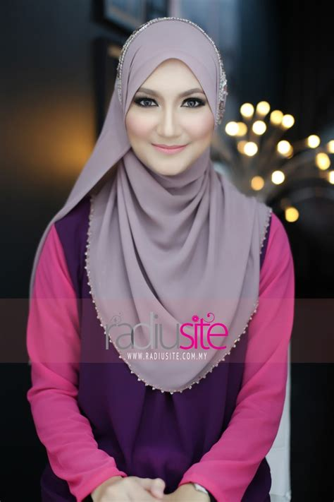 Jilbab Instan Simple Kriwil Tezara radiusite modest fashion one day