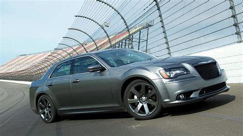 chrysler 300 performance chrysler 300 srt luxury performance car upcomingcarshq