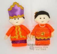 Boneka Flanel Baju Adat souvenir pengantin seragam polisi adat makassar souvenir pernikahan
