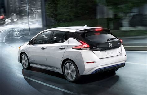 2018 nissan leaf specs 2018 nissan leaf debut features and eco friendly specs