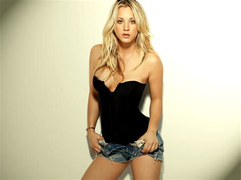 kaley cuoco wallpaper high quality wallpapers