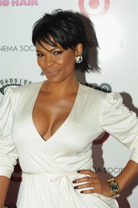 how to style hair like nia long nia long short straight cut nia long hair looks