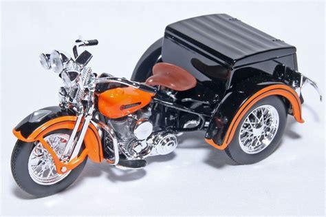 Harley Davidson Diecast by 1 18 Scale Harley Davidson 1947 Servi Car Motorcycle