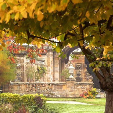 day   kent  hever castle gardens