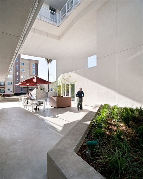 housing for disabled brooks scarpa completes affordable housing for disabled veterans in la
