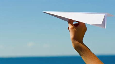 What Makes A Paper Airplane Fly - paper airplanes flying www pixshark images