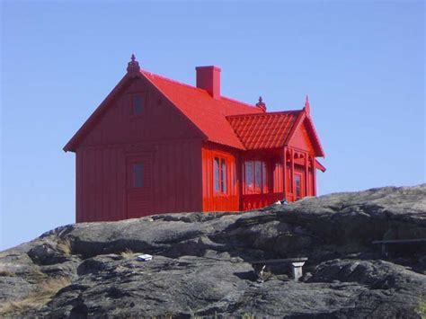 red homes monochromatic houses are a thing apparently photos