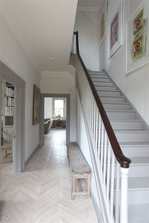 modern country style ten effective decorating ideas for small narrow hallways