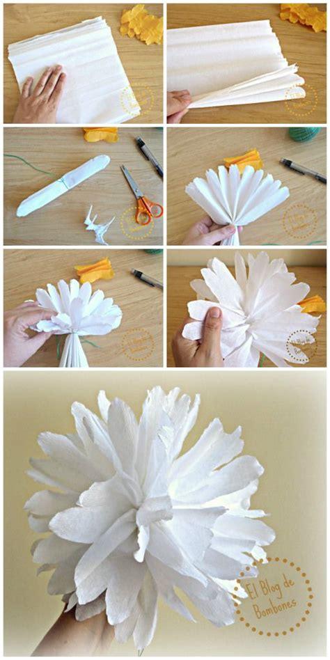 confeccion de flores de papel pediodico 1000 ideas sobre flores de papel crep 233 en pinterest