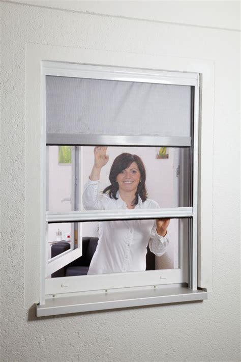 Insektenschutz Und Verdunkelungsrollo Für Dachfenster by Insektenschutz Rollo Fenster Kombirollo Fliegengitter