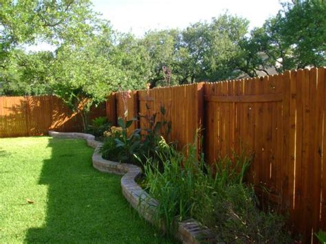 choosing   fence height material design