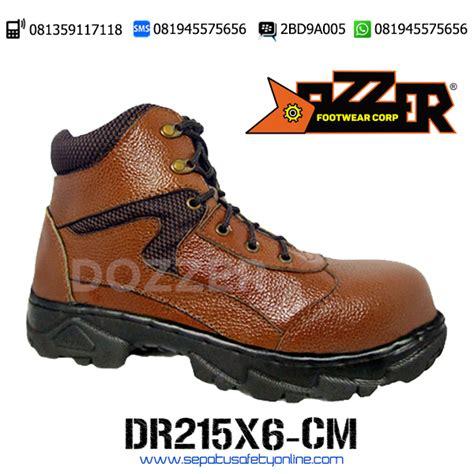 Sepatu Safety Merk Otter sepatu trekking safety dozzer dr215x7 cm