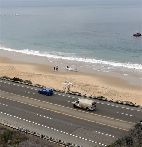 panga boat crystal cove state beach laguna beach local news second smuggling boat runs aground