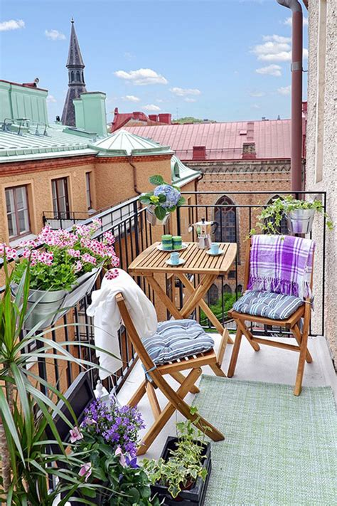 Ideas For Small Balcony Gardens Balcony Garden Ideas