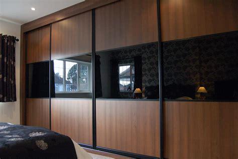design   sliding wardrobe doors  custom